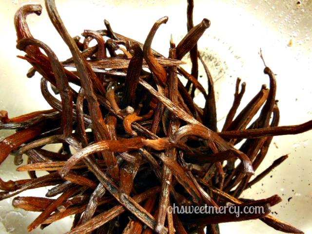 homemade vanilla extract beans