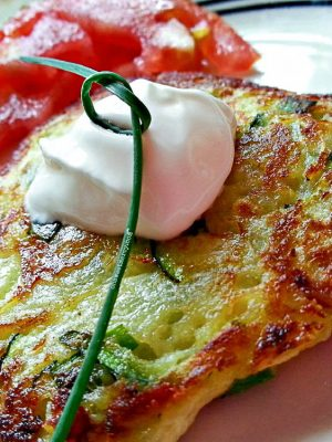 Zucchini Fritters – Low Carb with Grain-Free Option