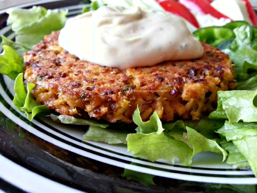 Use up that leftover salmon by making these delicious Grain free Quinoa Salmon Patties | Oh Sweet Mercy #recipes #salmon #thm #grainfree #glutenfree