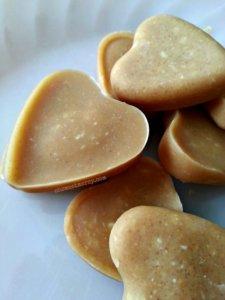 Easy Fat Bombs - Coconutty Peanut Nom Noms. #thm #recipes #lchf