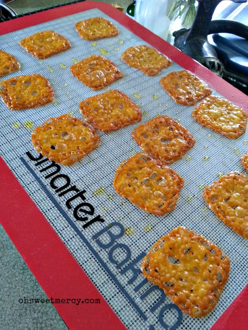 SmarterBaking Silicone Baking Mat - Product Review | Oh Sweet Mercy #reviews #SmarterBaking #ohsweetmercy #THM