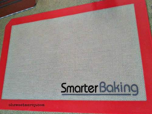 SmarterBaking Silicone Baking Mat - Product Review | Oh Sweet Mercy #reviews #SmarterBaking #ohsweetmercy #THM #lowfat