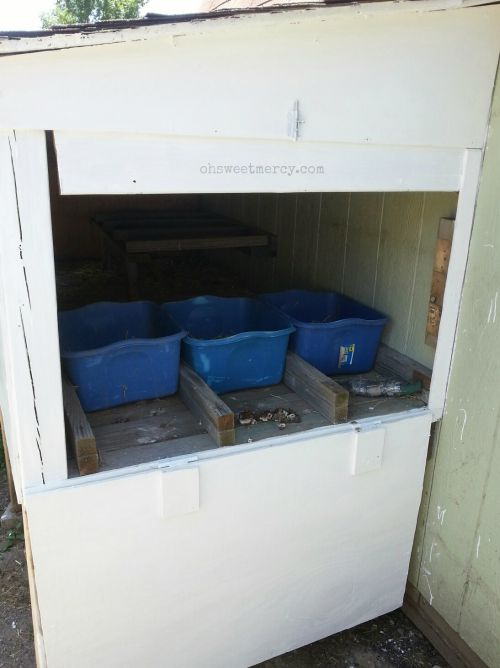 Repurposing - Using What You Have to Make What You Need | Oh Sweet Mercy #repurposing #makingdo #thrifty #chickencoops