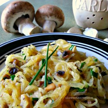 Buttery Garlic, Mushroom and Chive Spaghetti Squash   Oh Sweet Mercy #THM #lowcarb #spaghettisquash #recipes #ohsweetmercy