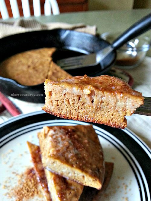 Spiced Coconut Flour Skillet Cake | Oh Sweet Mercy #lowcarb #grainfree #glutenfree #sugarfree #dairyfree #THM #recipes #ohsweetmercy
