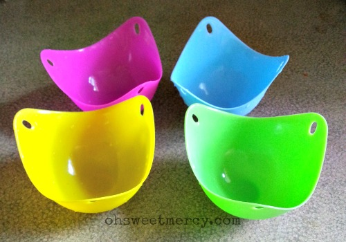 Silicone Egg Poacher Review | Oh Sweet Mercy #productreviews #reviews #eggs #silicone #eggpoachers #ohsweetmercy