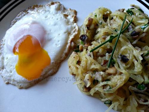 egg and mushrrom spaghetti squash
