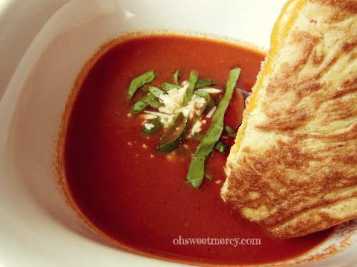 Creamy Fire Roasted Tomato Soup | Oh Sweet Mercy #recipes #easy #soups #thm #ohsweetmercy