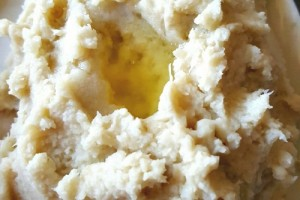 How to Make Amazingly Fluffy, Creamy Mashed Fauxtatoes | Oh Sweet Mercy #recipes #thm #lowcarb #dairyfree #fauxtatoes #ohsweetmercy