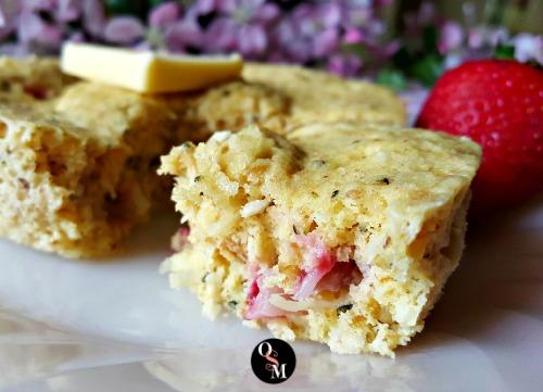 Balsamic Berry Coconut Muffin in a Mug | Oh Sweet Mercy #muffininamug #strawberries #glutenfree #grainfree #candidadiet #sugarfree #THM