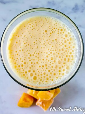Refreshing Peach Mango Kefir Smoothie – Low Fat and Nut Milk Free!