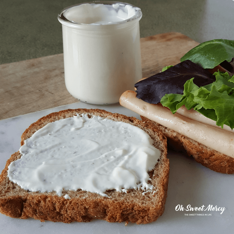 Low Fat Mayo - Bye bye dry sandwiches! Use this super easy hack to make low fat mayo. THM FP!