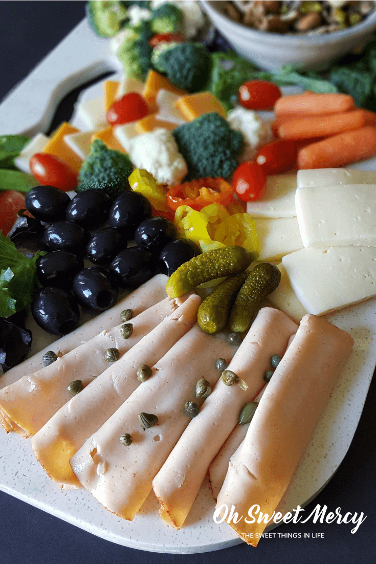 How to Make a THM Charcuterie Board for On-Plan Snacking & Entertaining