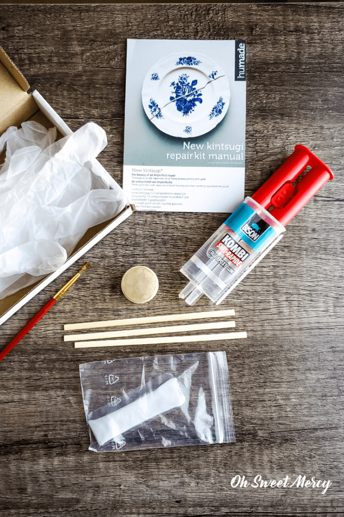 Contents of kintsugi repair kit