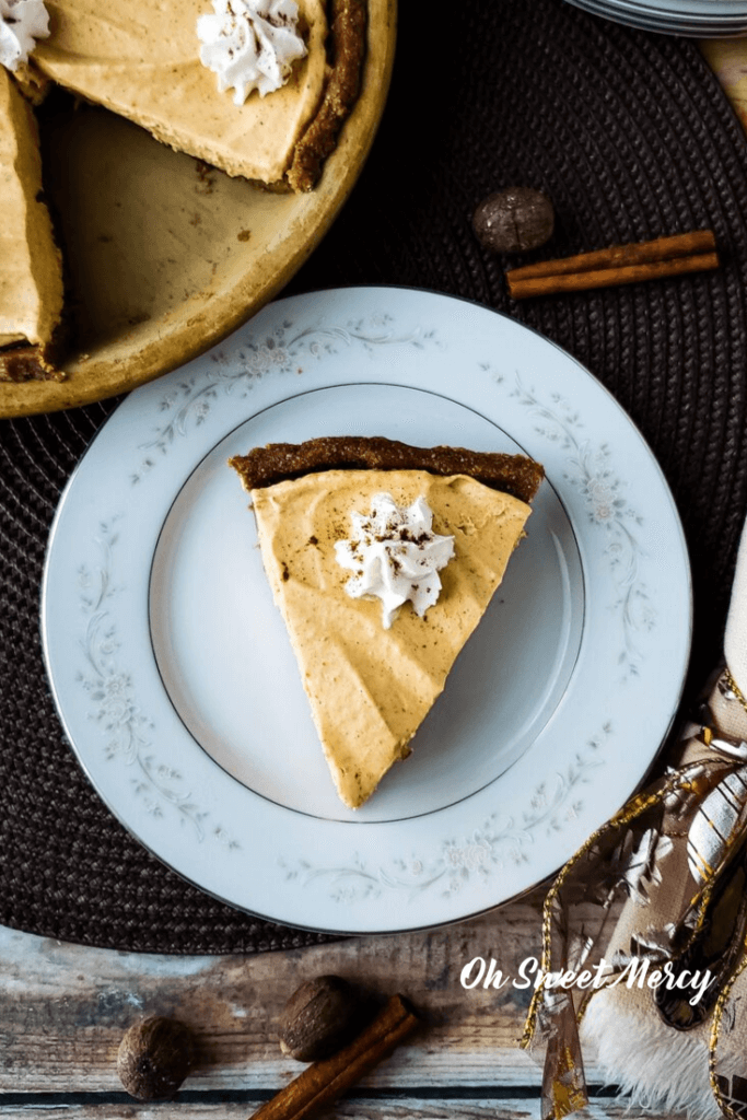 Slice of no bake pumpkin pie on a plate