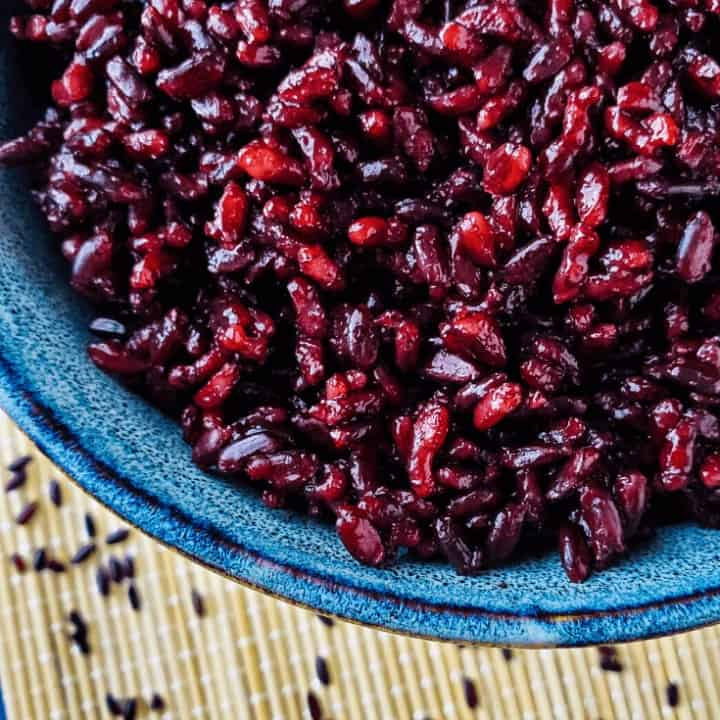 Close up of black rice in bowl