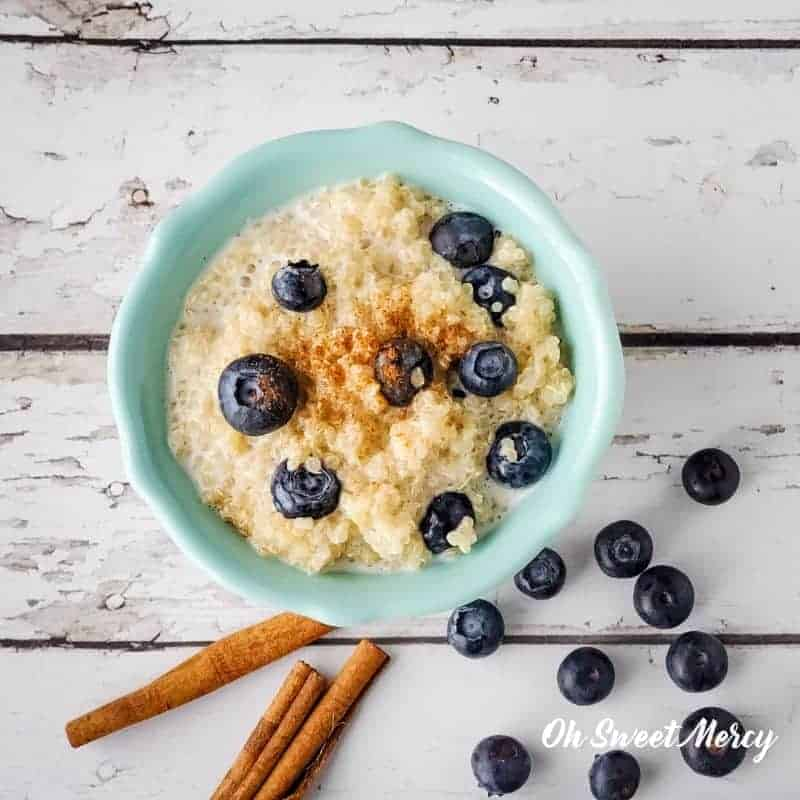 bowl of Creamy Berry Quinoa Bowl with blueberries